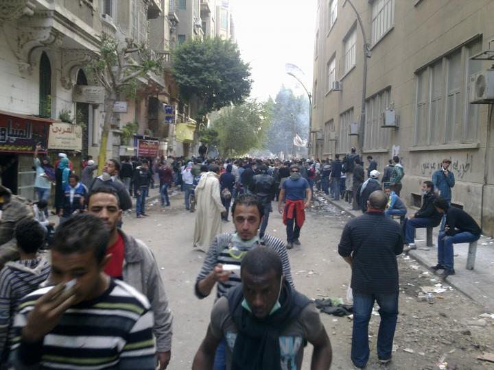 """Voci da Tahrir: """"anche un neonato ucciso dal gas nervino"""""""