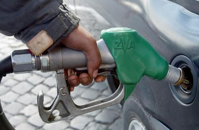 Benzina, aumentano le accise per la Lunigiana. Ma paghiamo ancora la guerra in Etiopia