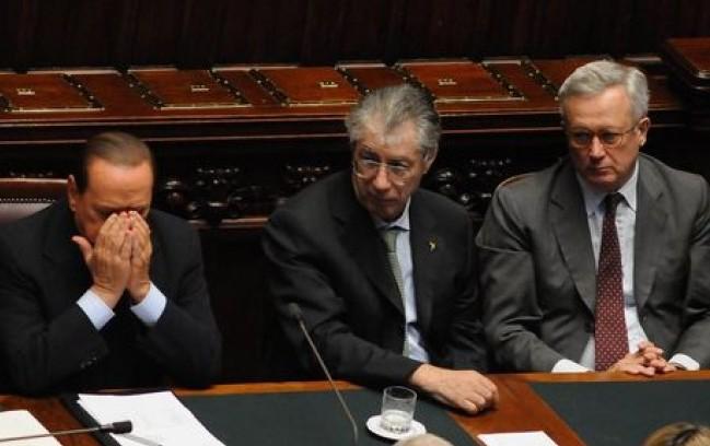 Berlusconi perde pezzi, spazio alle larghe intese
