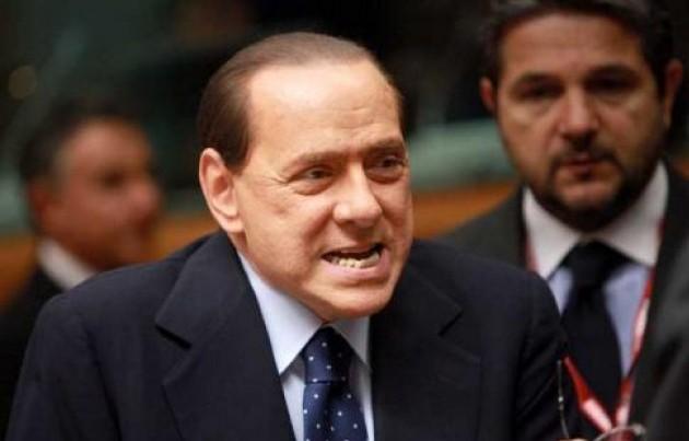 Dimissioni, anzi no. La lunga agonia di Silvio (e del Paese)