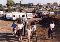 """Eccr, """"in Italia rom segregati e senza diritti"""""""