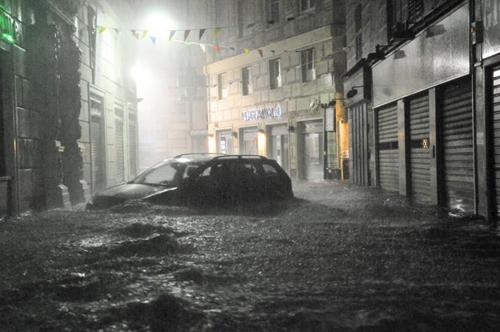 Genova in ginocchio, morti e dispersi