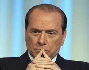 Berlusconi prepara il suo ritorno, partendo dal web – video