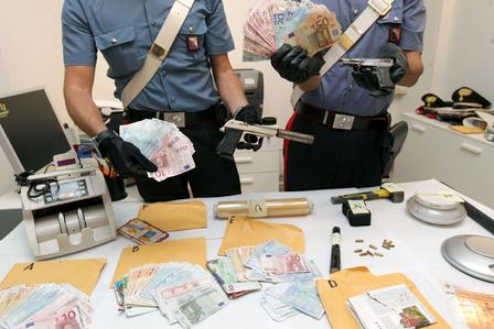 Dal contrabbando di sigarette al traffico di droga e di armi la Sacra Corona è transnazionale