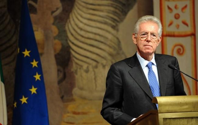 """Scure sulle pensioni e tassa sul lusso, la manovra """"salva-Italia"""" di Monti"""