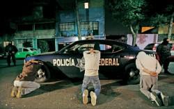 L'esercito delle bambine addestrate dai Narcos