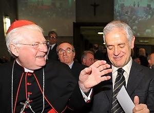 """L'arcivescovo di Milano """"scarica"""" Formigoni e prende le distanze da CL"""