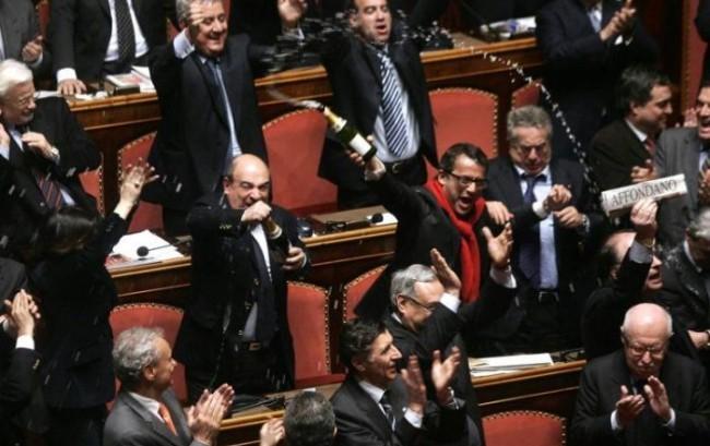 I parlamentari si tagliano lo stipendio. Ma è un bluff
