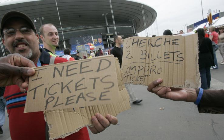 Il mondo fatato del calcio, prezzi alle stelle ma in Europa gli stadi sono pieni