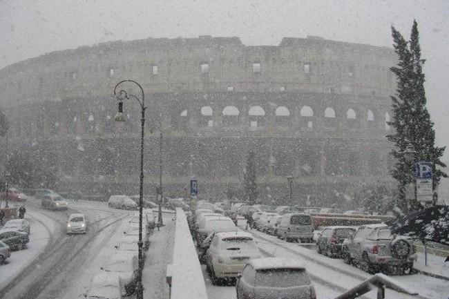Sulla Protezione civile Alemanno ha ragione, ma a Roma è colpa sua