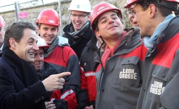 E Sarkozy ricorre alle comparse