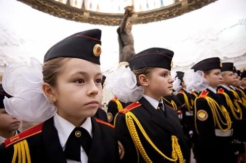 RussianGirls 500x333 Russia, l'armata delle bambine soldato