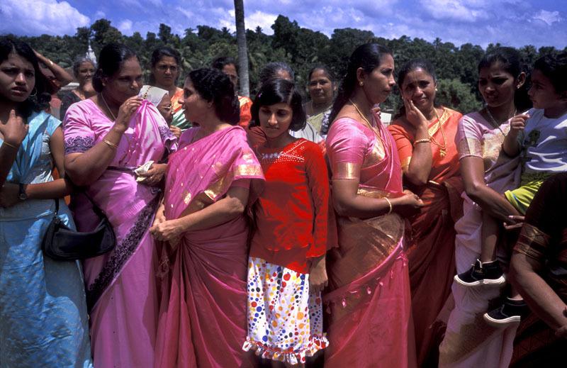 Sterilizzazione forzata in India, Gran Bretagna sotto accusa