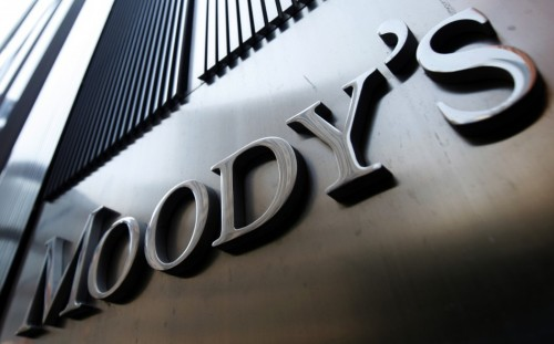 144510 moodys sign on 7 world trade center tower in new york 500x311 Banche italiane declassate? Ha ragione Moodys