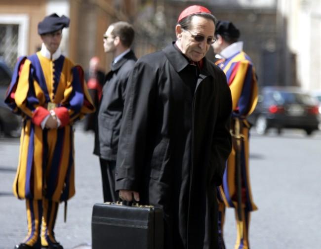 Soffiate e tradimenti, il Vaticano trema