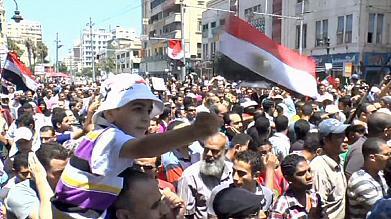 L'Egitto condanna Mubarak e si prepara al voto