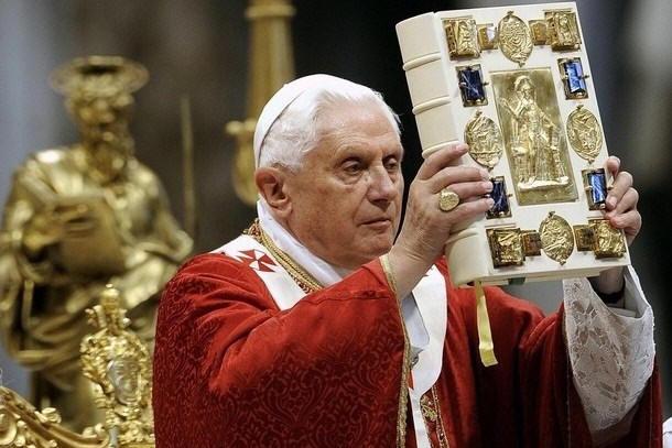 """Corvi in Vaticano? """"La Santa Sede conosce il colpevole. Ma prende tempo"""""""