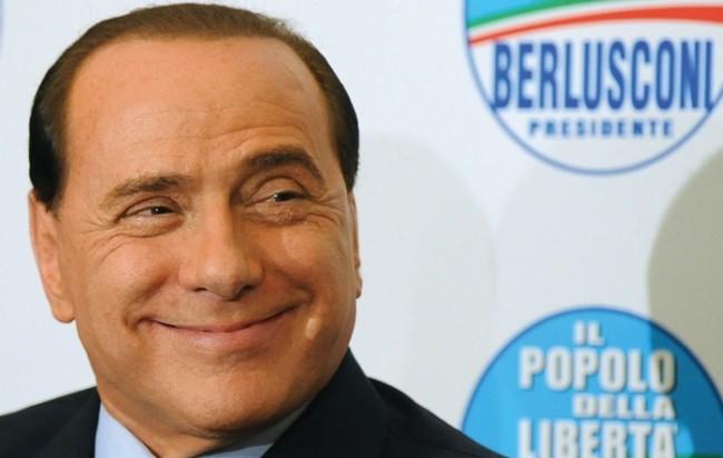 """E Berlusconi pensa di ricandidarsi: """"Solo io posso salvare il Pdl"""""""