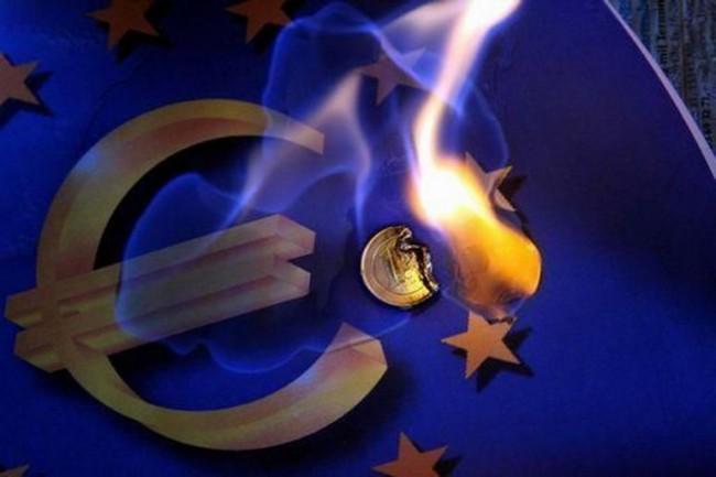 """""""L'Euro va salvato, o la Germania crolla"""": parola di Berlino"""