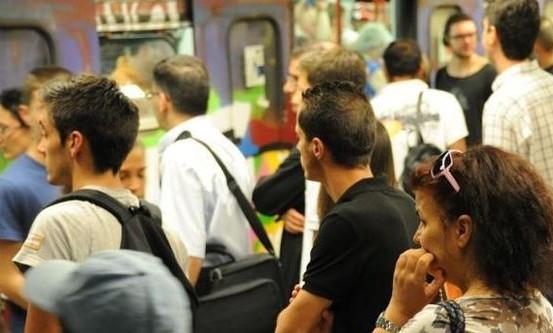 La casta dei macchinisti metro. A Roma solo 3 ore di conduzione e 2mila euro