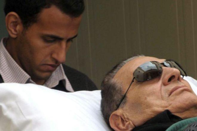 Mubarak in fin di vita, l'Egitto ancora senza guida