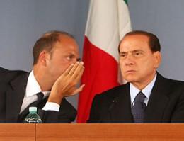 """Berlusconi su Alfano: """"Il ragazzo mi dà del Lei"""""""