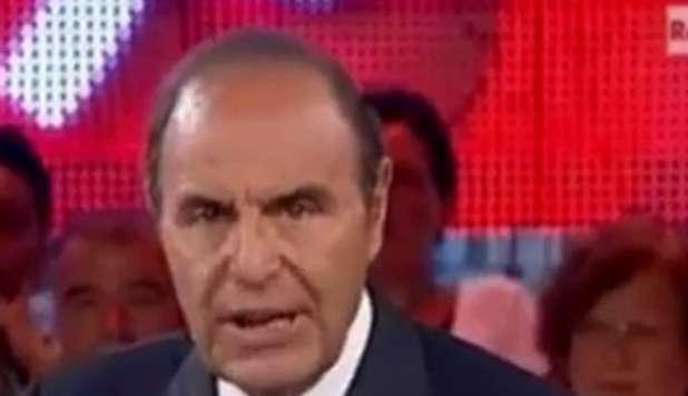 """Vespa furioso: """"Chiudete i microfoni!"""""""