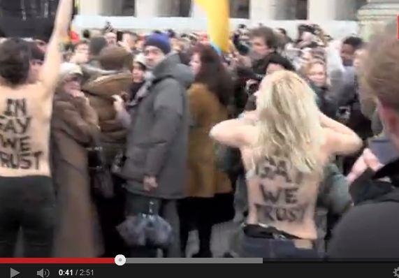 Protesta femminista in Vaticano, nude a San Pietro