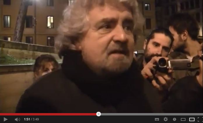 L'arrivo di Grillo all'assemblea del Montepaschi Siena – VIDEO