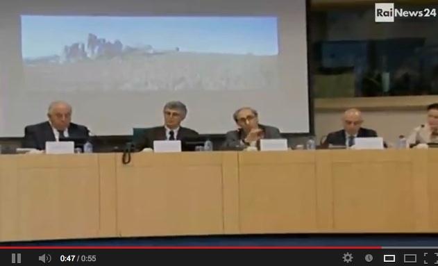 """Battiato parla di """"troie"""" in Parlamento, la dichiarazione integrale – VIDEO"""