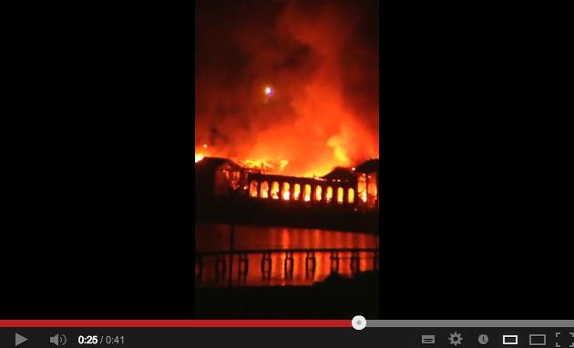 A fuoco la Città della Scienza di Napoli – VIDEO