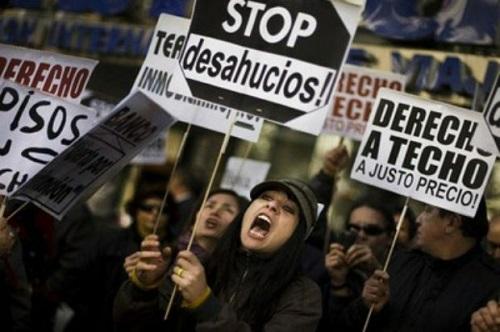 Spagna, è emergenza sfratti: politici sotto assedio