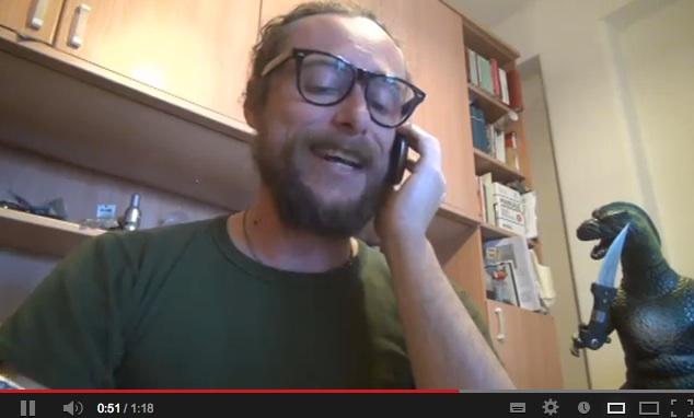"""""""L'esercito di Silvio"""", Pinuccio chiama: """"Ogni buco è trincea!"""" – VIDEO"""