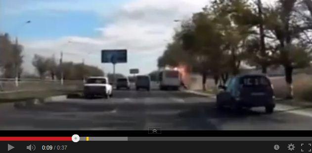 Una donna si fa esplodere su un bus in Russia, il video dell'attentato – GUARDA