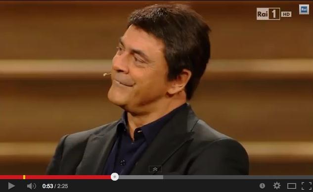 """Crozza a Sanremo imita Renzi: """"Fichissimo me!"""" – VIDEO"""