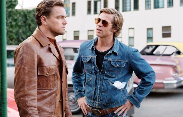 "Di Caprio e Pitt in una scena da ""C'era una volta..a Hollywood"""