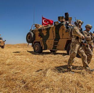 La Turchia attacca i curdi. Iniziati i raid aerei in Siria
