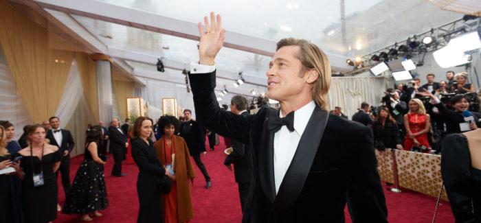Brad Pitt sfila agli Oscar 2020